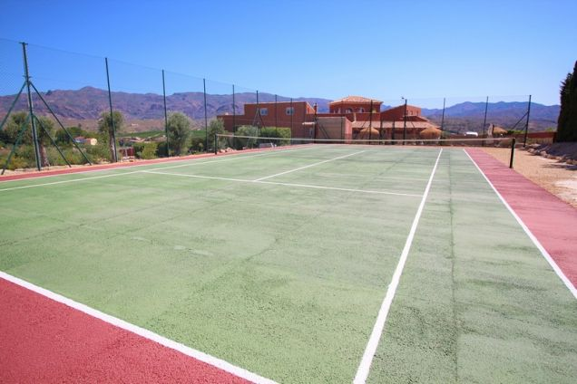 Tennis court for guests